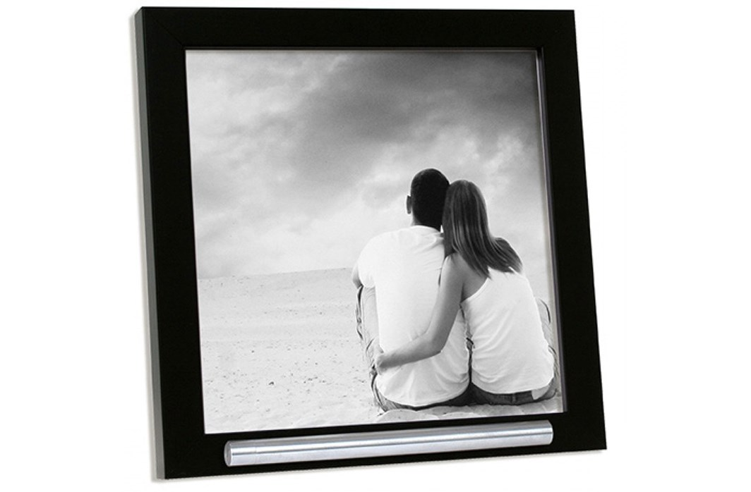 Picture frame with ashes